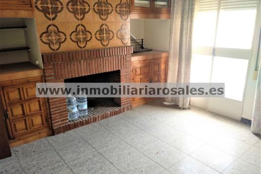 Gran piso en Albendín, con terraza propia.