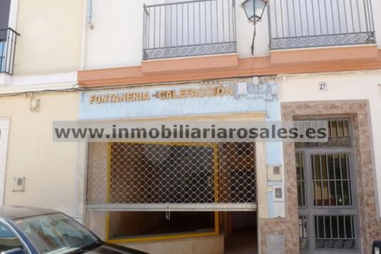 Local en calle Julio Romero de Torres de Priego de Córdoba.